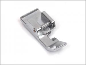Calcador para zíper comum para máquina de costura 611406002