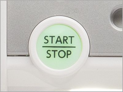 Botão Start/Stop para iniciar e parar a costura
