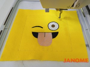 Almofada de Emojis!-4