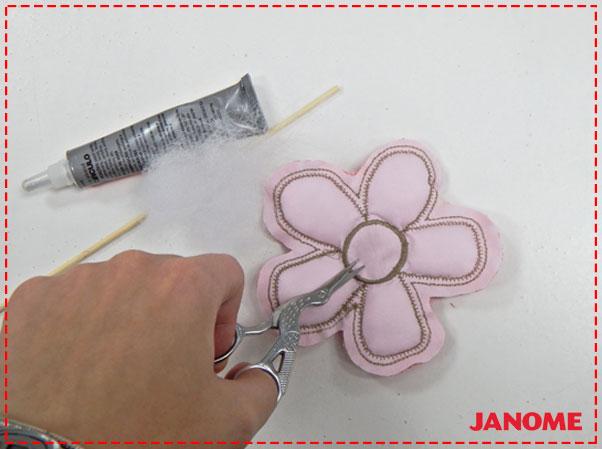 Crie e Borde com a Janome – Série Decorações – Flores M, G e GG!-10