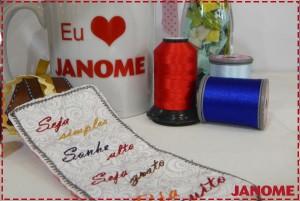 Amostra do marcador de página bordado e decorações da Janome na Mega Artesanal 2016