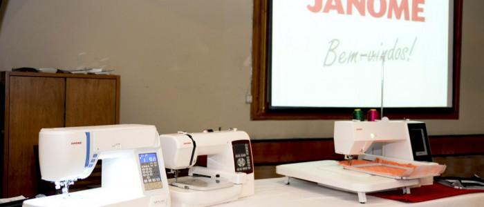 Sucesso marca lançamento da máquina de bordar MC500E!-12