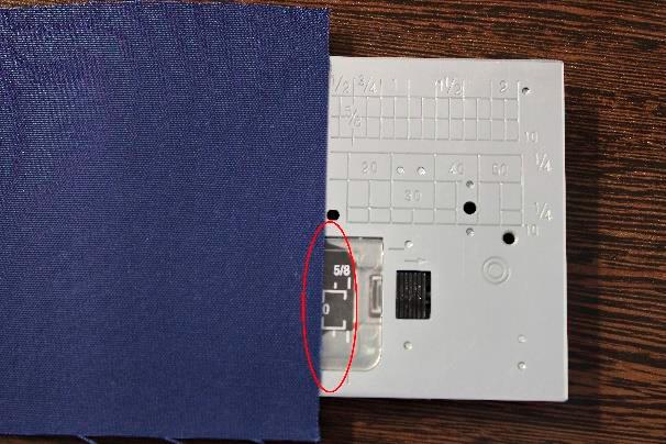 Marcação especial Janome - Margem de 10 mm da posição centralizada da agulha até a borda do tecido