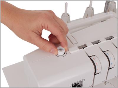 Ajuste da pressão do calcador para costura de diversos tipos de tecido na 2000CPX